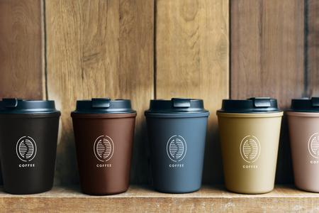 Elección de maquetas de tazas de café reutilizables