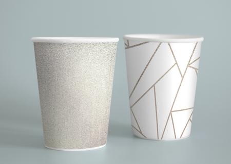 Mockup di design per tazze da caffè in carta semplice