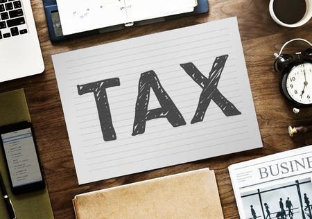 Steuerwort auf Papier geschrieben Standard-Bild