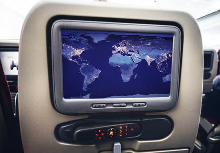 Unterhaltungsbildschirm in einem Flugzeug