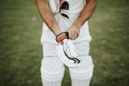 Cricket player getting ready to play Banco de Imagens