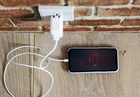 Téléphone portable à court de batterie
