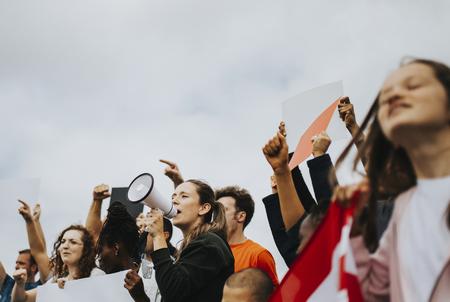 Gruppe amerikanischer Aktivisten protestiert