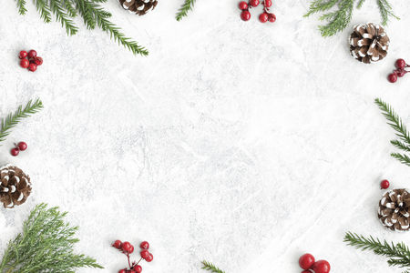Adornos navideños en maqueta de fondo de mesa Foto de archivo