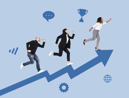 Uomini d'affari che corrono verso il successo