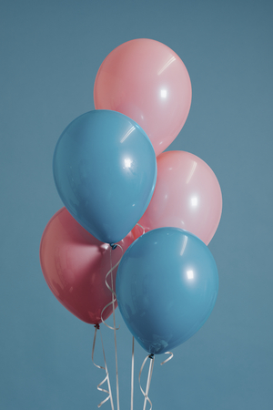 Pastel pink and blue balloons Imagens - 116616166