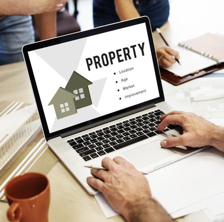 Online house loan Banque d'images - 121110305