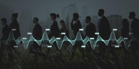 Mensen uit het bedrijfsleven lopen in een stad