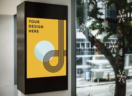 Mockup of a yellow advertisement signboard Foto de archivo - 121952260