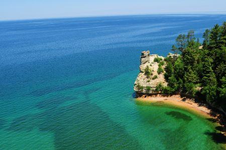 castle rock: Castle Rock Munising Michigan (Paisaje Orientada) Foto de archivo
