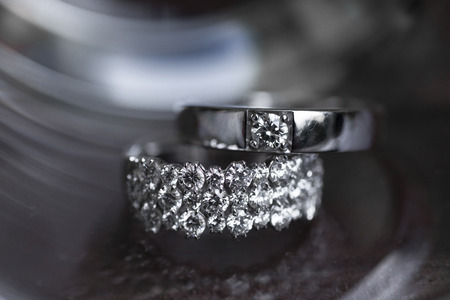 signo infinito: anillos de boda en símbolo de infinito. Concepto del amor, anillos de boda Foto de archivo