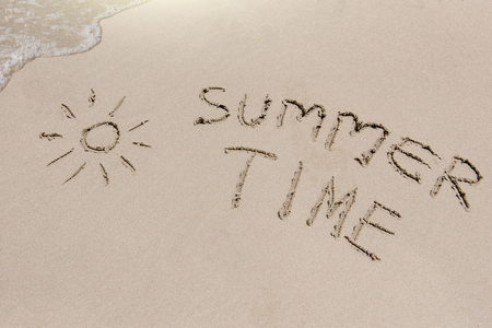 caribe: Summer time sign on the sand beach