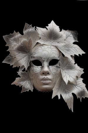 Venetiaans masker op zwarte achtergrond
