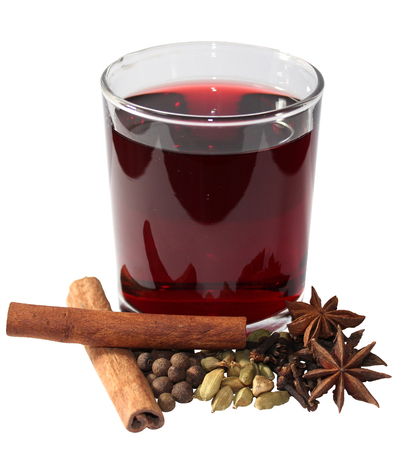 chr: Glint-wine is a beverage of European origins usually made with red wine along with various mulling spices and sometimes raisins. It is served hot or warm and may be alcoholic or non-alcoholic. It is a traditional drink during winter, especially around Chr