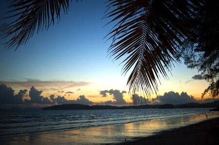 railey: tramonto vista lungo la spiaggia Archivio Fotografico