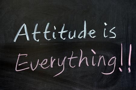 actitud positiva: Dibujo de tiza - La actitud lo es todo