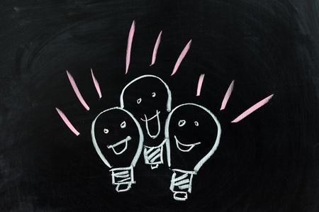 dessin craie: Dessin � la craie conceptuelle - Groupe des lampes Banque d'images