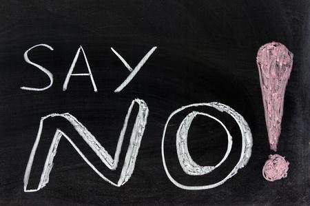 dessin craie: Dessin � la craie conceptuelle - Dites non!
