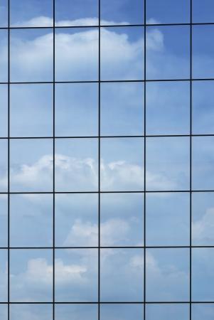 그리드: 현대적인 건물 외관의 윈도우 배경