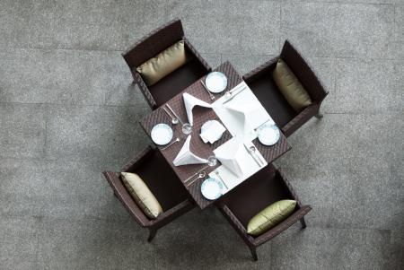 中国風のダイニング テーブルと椅子