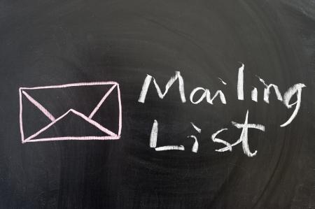 メーリング リストの言葉、黒板上のシンボル