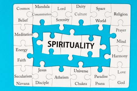 universal love: Palabras Espiritualidad en grupo de piezas de un rompecabezas