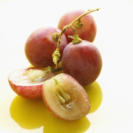 Ensemble et coup�es en deux raisins