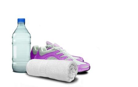 ボトル入り飲料水、ジョギング シューズとスポーツ タオル