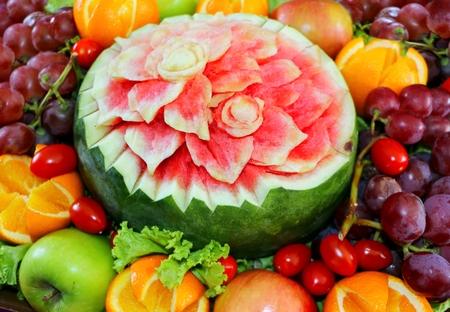 schöpfung: Wassermelone Früchte geschnitzt Blumenform und Früchte