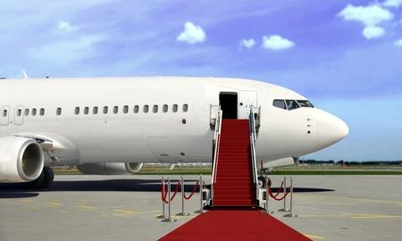 Embarque de avión comercial con presentación de alfombra roja Foto de archivo - 77446000