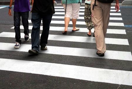 ラッシュ時に人の横断道路 写真素材