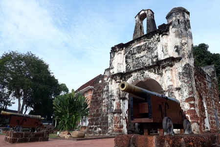 Malacca, Malaysia - January 20, 2018:   Porta de Santiago, the remains of the Portuguese A Famosa fortress in Malacca built in 1511 報道画像