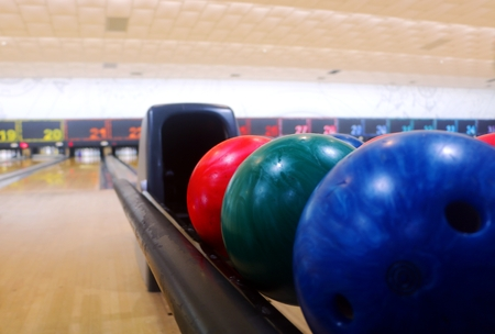 Bowling balls in close up Imagens