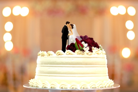 wedding cake bride and groom topper