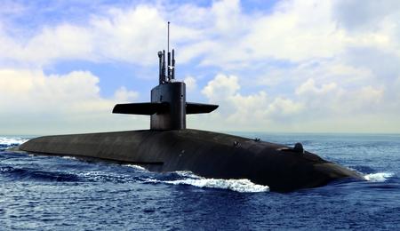 Sous-marin naval sur la surface de la mer bleue ouverte Banque d'images