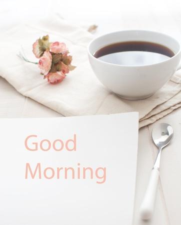 아침: 좋은 아침 인사 노트와 커피 스톡 사진