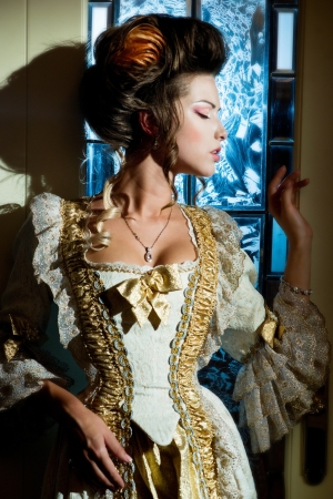 historical periods: Dramatic actress in a luxurious dress