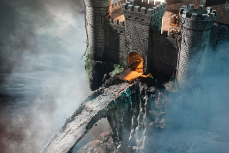 Oud kasteel in de mist