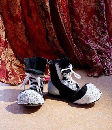 entracte: Chaussures dr�les de clown bon vieux
