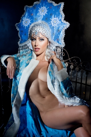 Cabaret dancer in beautiful dress Stock Photo - 17049492