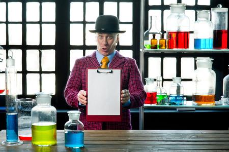 formulation: Chemistry teacher gives a lesson