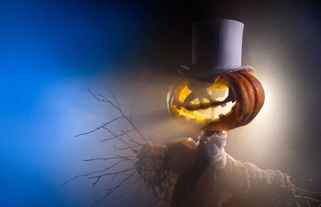 bugaboo: Scarecrow with head of pumpkin