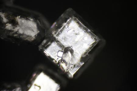 Sugar crystals under polarized light microscope Stockfoto