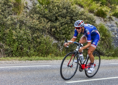 Chorges, Frankrijk-17 juli 2013 De Franse wielrenner Arthur Vichot van FDJ fr Team trappen tijdens de etappe 17 van de 100 editie van Le Tour de France 2013, een tijdrit tussen Embrun en Chorges