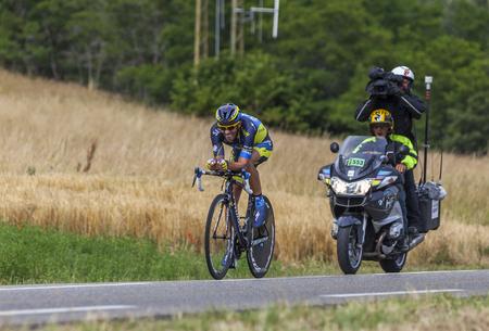 alberto: Chorges, Francia 17 de julio, 2013 El ciclista espa�ol Alberto Contador, del Saxo-Tinkoff pedaleo equipo durante la etapa 17 de la 100 � edici�n del Tour de Francia 2013, una contrarreloj entre Embrun y Chorges