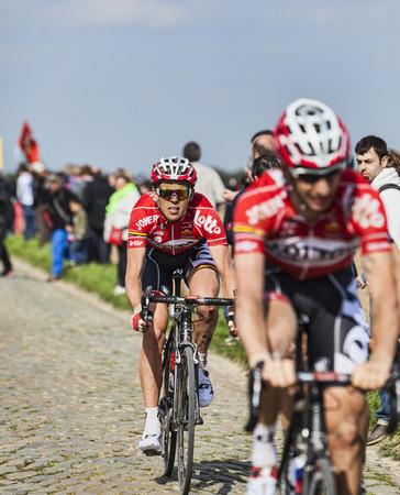 breen: CAMPHIN EN PEVELE, FRANCE-13 aprile: Il ciclista Vegard Breen dalla Lotto-Belisol cavalcando settore ciottoli Carrefour de l'Arbre in Camphin-en-Pevele il 13 aprile 2014 durante la Parigi-Roubaix Editoriali