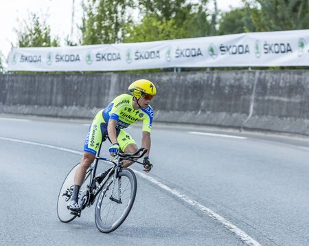 le roche: Coursac France  July 26 2014: The Irish cyclist Nicolas Roche Tinkoff Saxo Team pedaling during the stage 20  time trial Bergerac  Perigueux of Le Tour de France 2014.