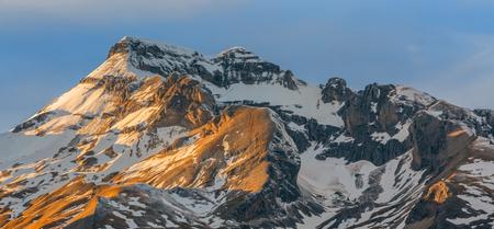 grand hard: Winter sunset over the Grand Ferrand peak in Le Devoluy Massif in Hautes-Alpes, France.