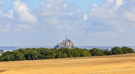 Remote view of the Mont Saint Michel Abbey in Normandy, France Reklamní fotografie