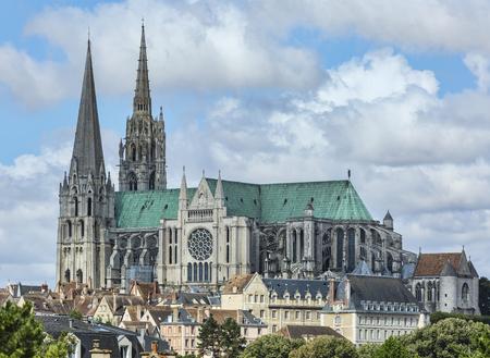 대성당의 우리의 레이디 Chartres, 프랑스의 남쪽보기. 스톡 콘텐츠